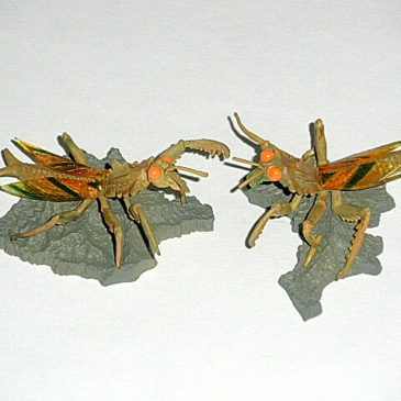 Kamakiras Pair by Iwakura Color Version Figures