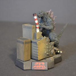 Yuji Sakai Diorama 2 Godzilla 2000 Godzilla vs Megagurius