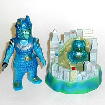 Toy Graph Daimajin Figure and Cityscape Diorama Set Rare